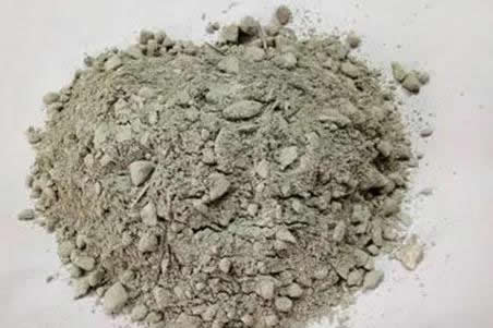 Solution to the surface damage of low cement refractory castable